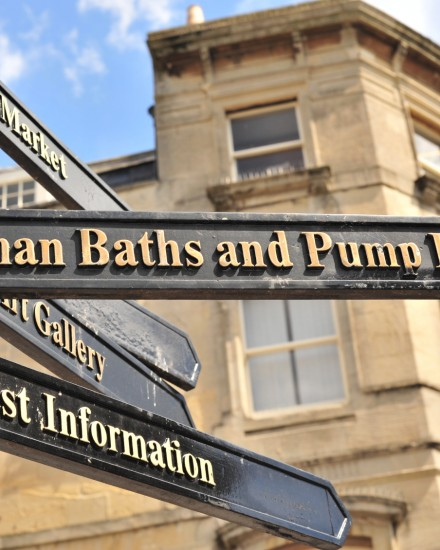 Direction-to-Roman-Baths-000020375236_Medium